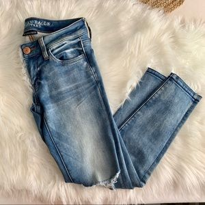 American eagle low rise busted knee jegging size 0